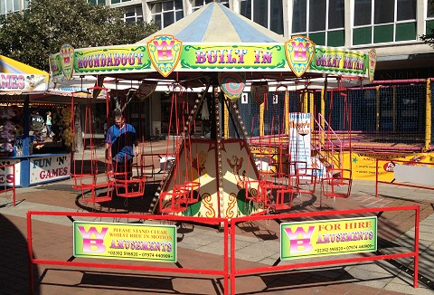 Link to the Burnett's Amusements web page