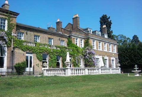 Link to the High Elms Manor website