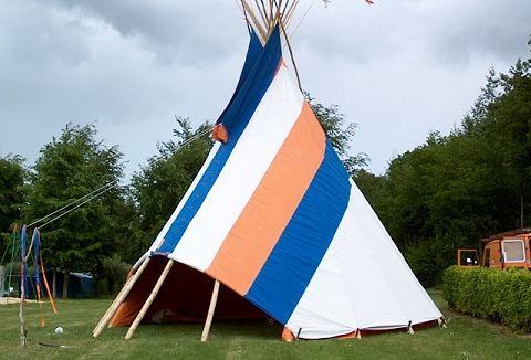 Link to the Dulas Valley Tipis website