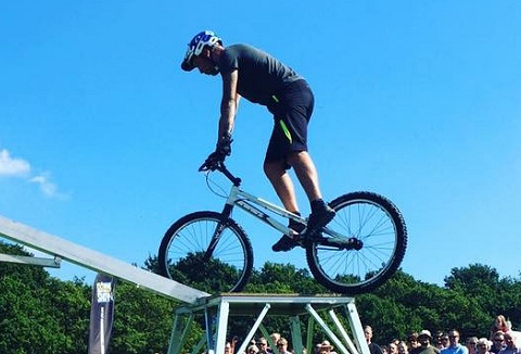 Link to the Extreme Mountain Bike Show website