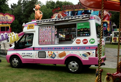Link to the Mr Whippy Ice Cream Van Hire website