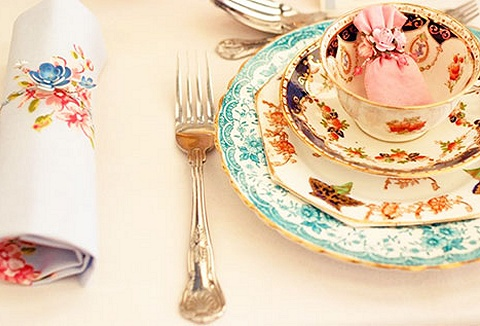 Link to the The Creative Crockery Company website