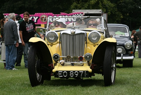 Link to the South Hants Vehicle Preservation Society website