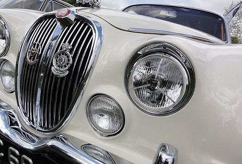 Link to the Basingstoke Classic Car Club website