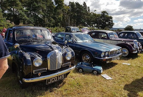Link to the Fife Historic Vehicle Club website