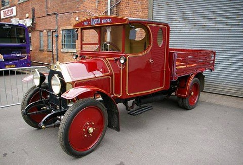 Link to the Ulster Vintage Commercial Vehicle Club website