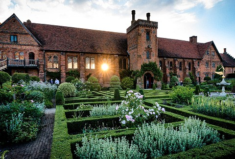 Link to the Hatfield House website