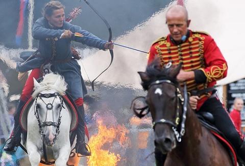 Link to the International Cossacks website